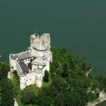 Zamek w Niedzicy z lotu ptaka